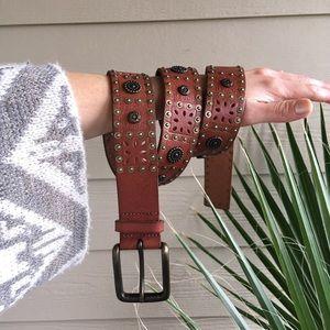 Fossil bronze metal embellished leather belt M